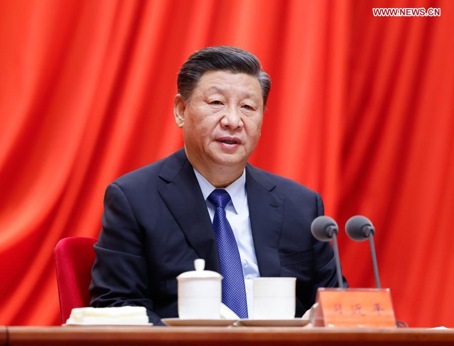 Китай ускорява планирането на бъдещи индустрии за високотехнологичен растеж