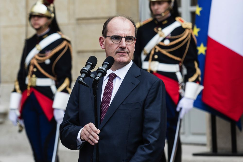 Франция затяга мерките след нов ръст на заразените
