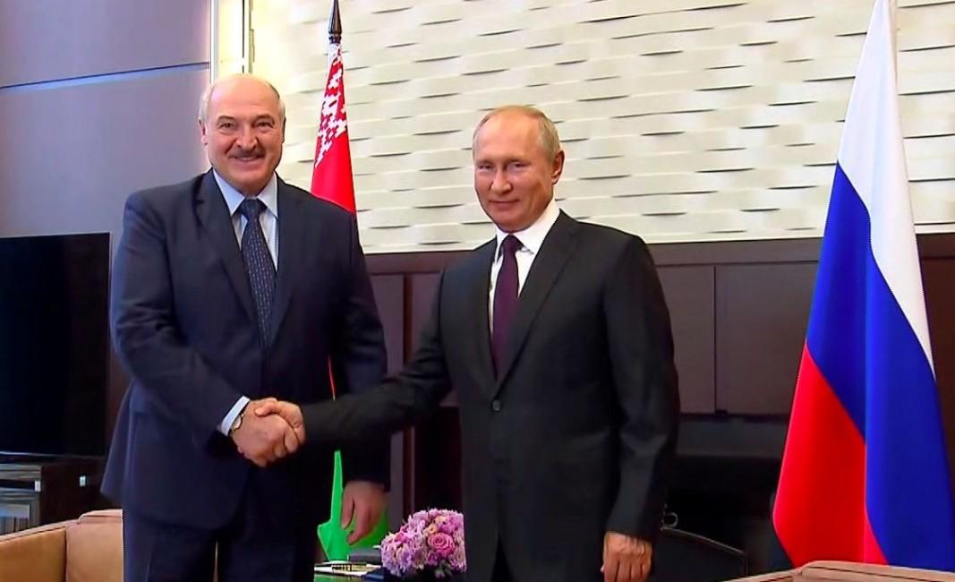 Путин и Лукашенко си говориха за пътища, газ и ваксини