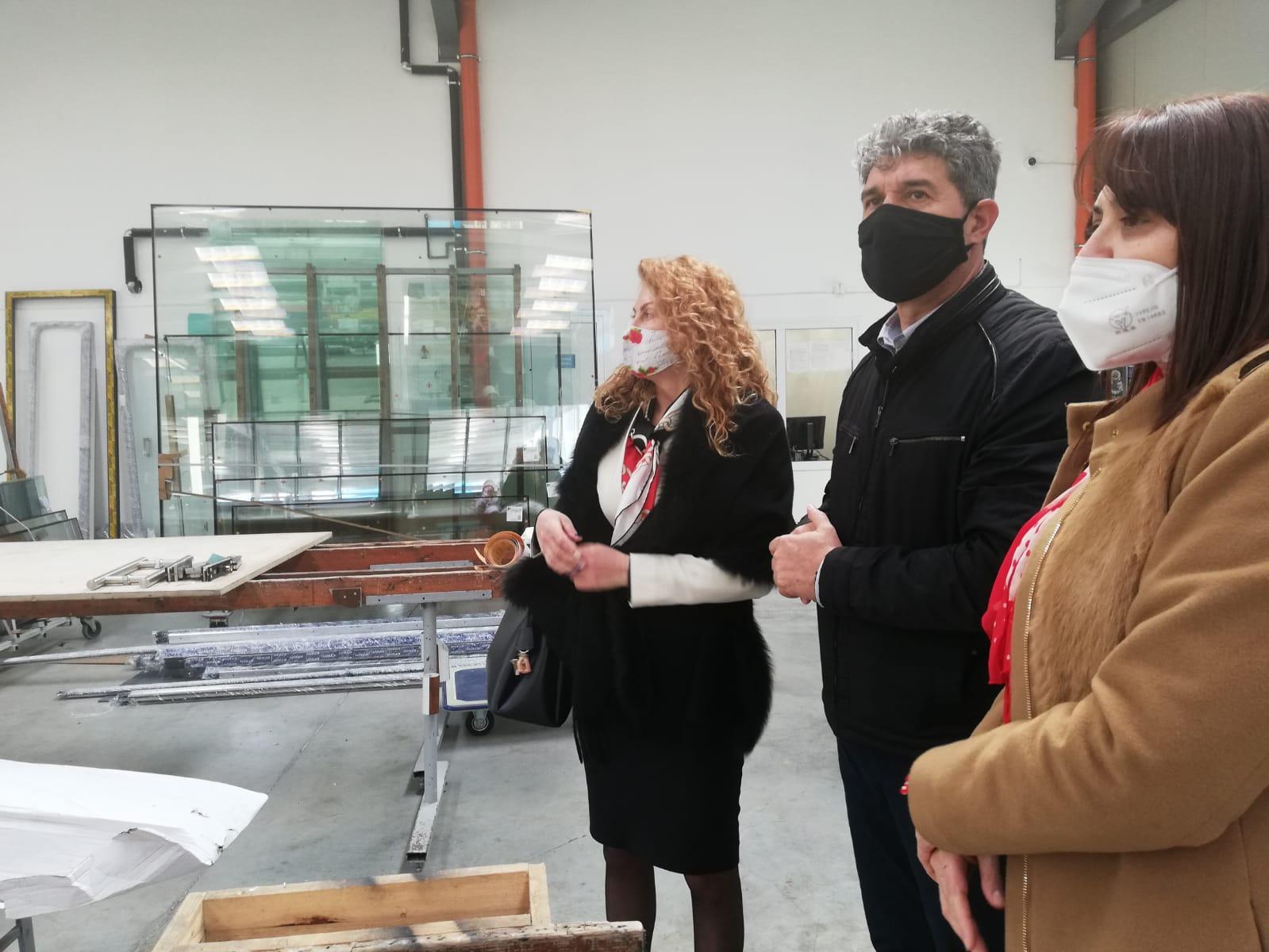 Деница Николова: Продължаваме с изграждането на индустриални зони и привличането на инвеститори