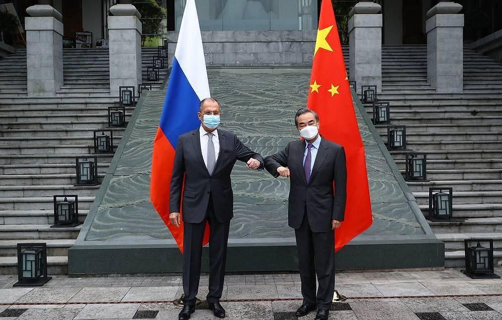 Лавров втвърди тона срещу Европейския съюз с изказване в Китай, намекна за по-сериозна преориентация в руската политика в посока на Изток